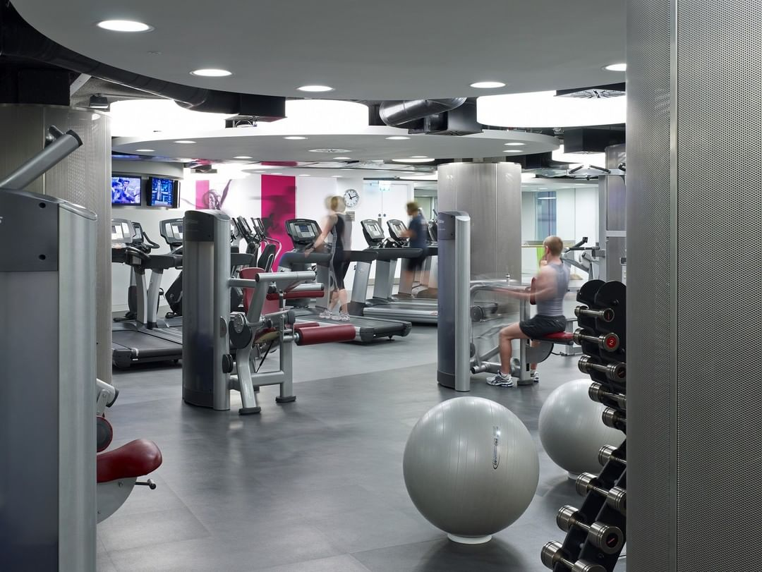 Linklaters is a prominent global law firm who commissioned motive8 to design and manage the installation of their staff fitness and wellbeing facility at its UK Headquarters. We worked with the architects, M&E engineers, quantity surveyors as well as with AV and acoustic consultants to ensure all angles of the project worked simultaneously for a smooth project journey. #corporate #gymdesign #linklaters #health #fitness