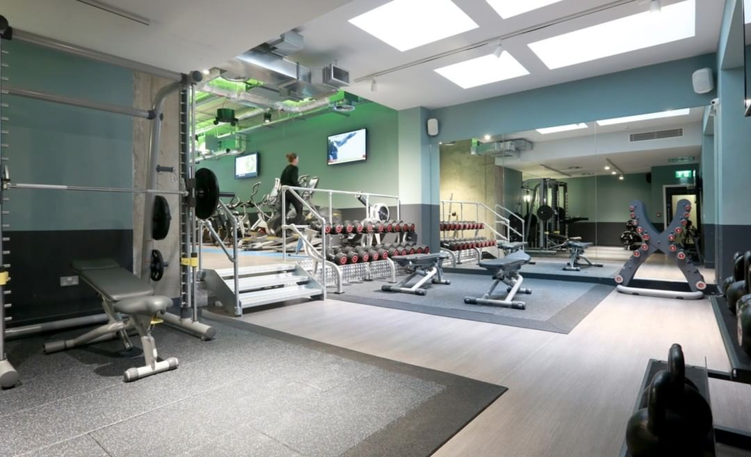 motive8 provided consultancy on the refurbishment of the onsite student gym at Chapter Spitalfields, which was completed a few years ago. We were incredibly happy with the final industrial-look and overall modern finish. Click the link in bio for the full case study! #studentgym #refurb #fitness