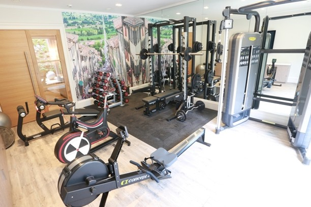 At motive8 our gym installations aren't just a great fit in the residential and corporate worlds; our home gyms are just as popular! Find out more how we worked with a client to plan and design their new basement level home gym space. Link in bio. #gymdesign #gymequipment #gymsolutions #workoutathome